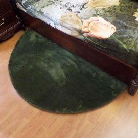 Зелёный прикроватный полукруглый мягкий коврик JumKids Sweet Khaki